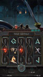 สัญลักษณ์ Wild จะเป็นสัญลักษณ์เทพเซอุส ที่มีคำว่า WILD อยู่ด้านล่าง เป็นสัญลักษณ์ที่สามารแทนที่ทุกสัญลักษณ์ในเกมได้ทั้งหมด ยกเว้น สัญลักษณ์ scatter และสัญลักษณ์พิเศษอีก 2อัน
